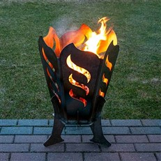 Robust Outdoor Steel Fire Pit with Flame Design