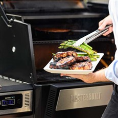 Masterbuilt Gravity Series 560 Digital Charcoal Grill and Smoker